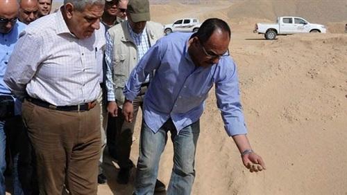 """""""محلب"""" يتفقد مشروعات الراجحي بمنطقة توشكى"""